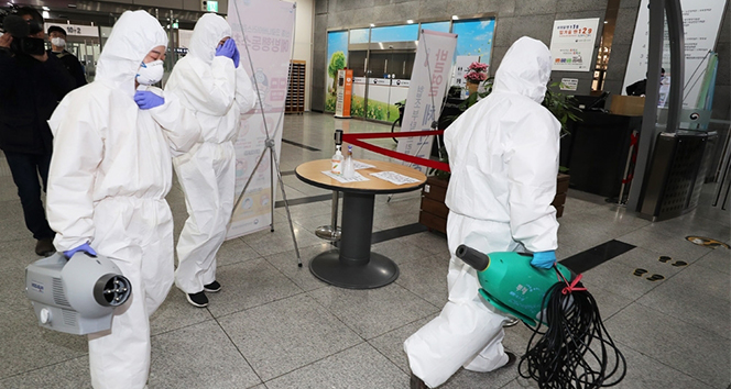 100 yaşındaki Çinli korona virüsünü yendi