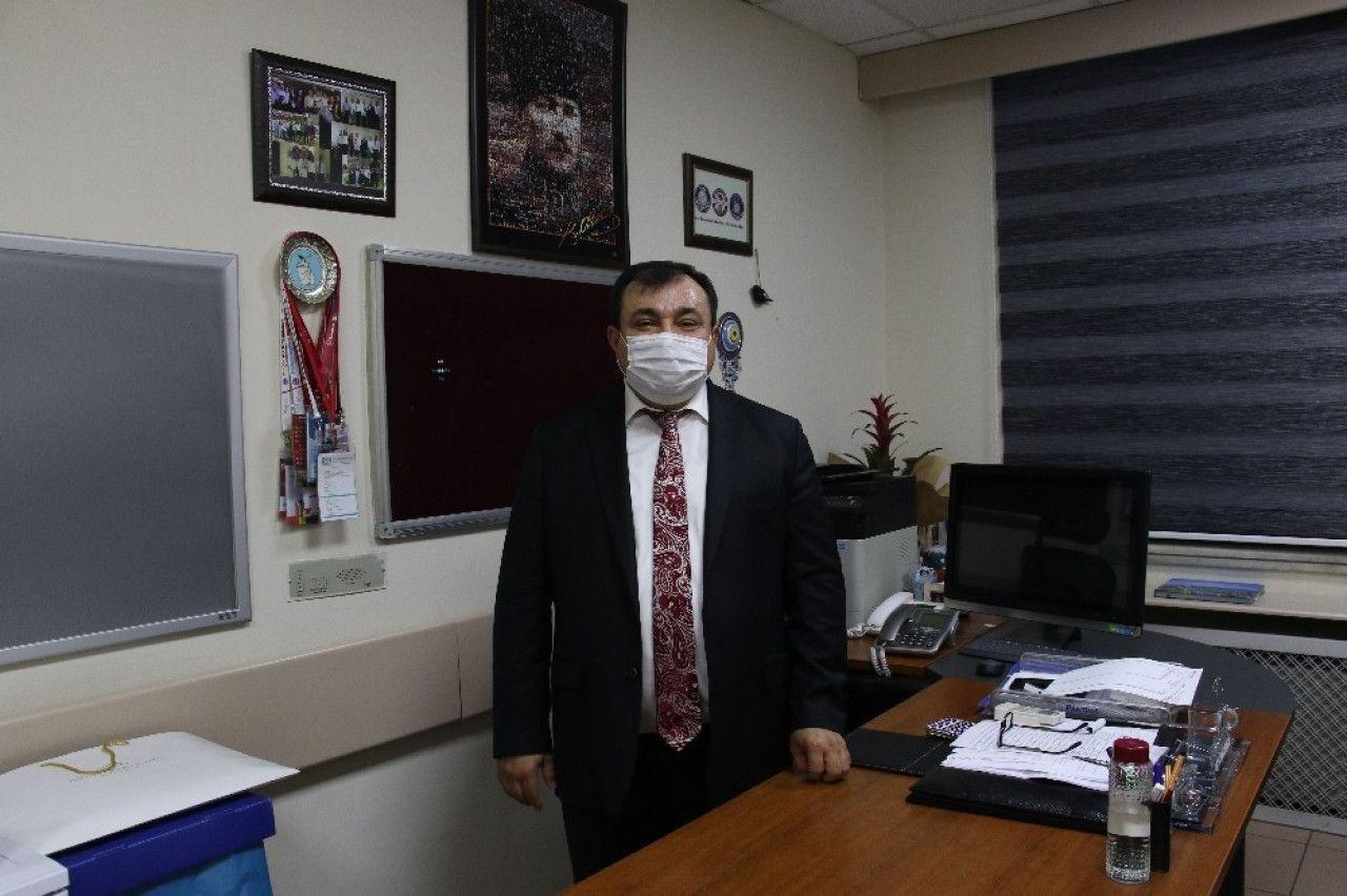 Türkiye Bilim Kurulu Üyesi Virüse Yakalandı!
