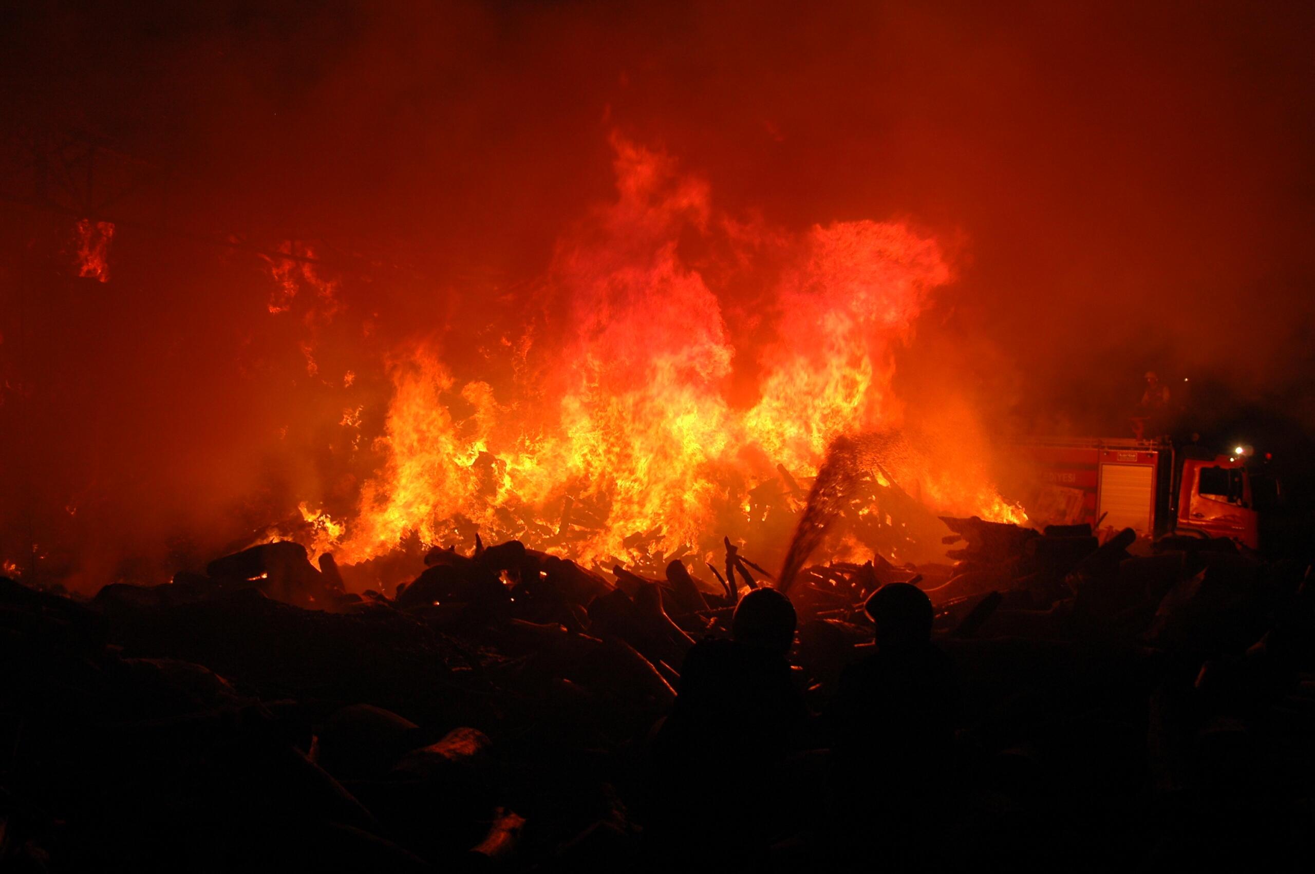 Mehmetçik'te korkunç yangın!