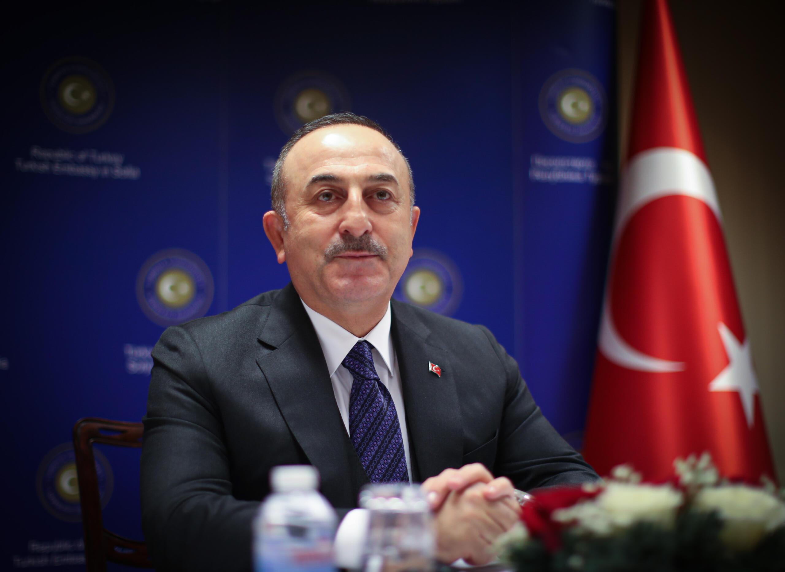 """Mevlüt Çavuşoğlu: Yaptırımı Fransa, Yunanistan ve Rum kesimi istiyor """""""