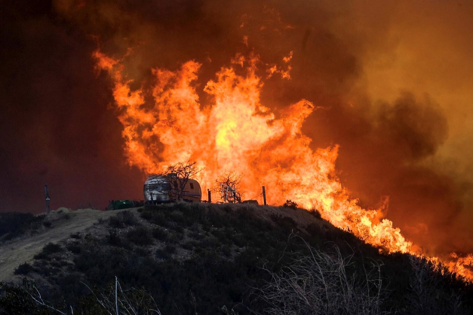 Belediye Başkanı Zurnacılar'ın karavanı yandı!